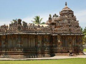 Amrutesvara_temple_at_Amruthapura