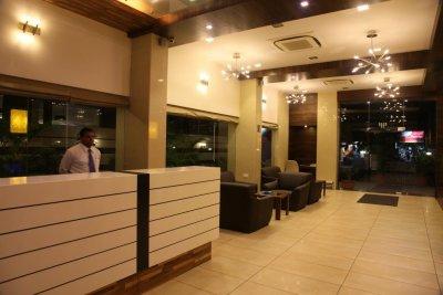 hotel le grande residency
