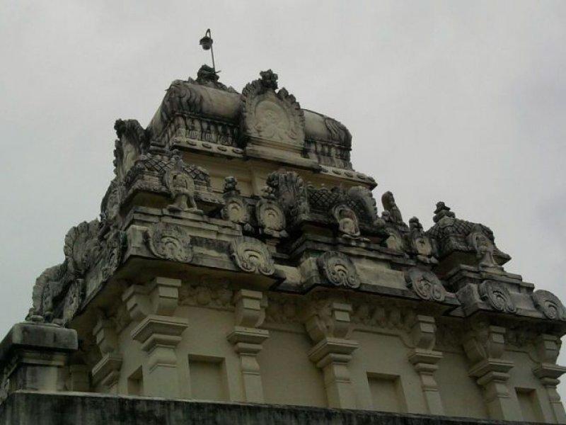Thiruparuthikundram Ancient Digambar Jain Temples