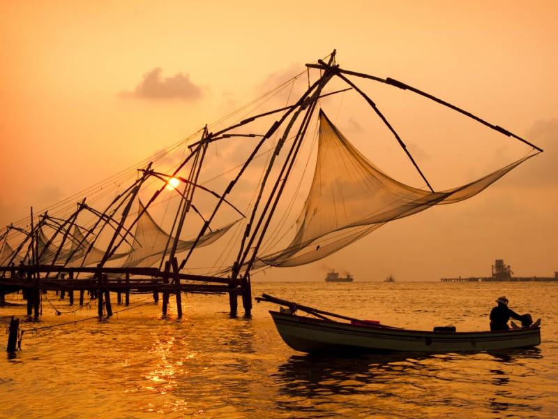 Kerala Tour Package - Kochi, Munnar, Thekkady, Alappuzha